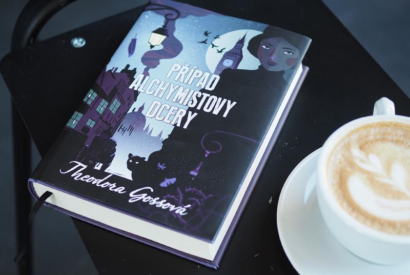 RECENZE: Vraždy, co se řeší nad šálkem černého čaje a táckem koláčků