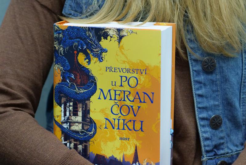 RECENZE: Osmi set stránkový gigant slibuje magii, draky i tisíc let staré tajemství